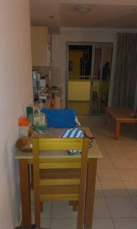 Apartamentos Dolores: Saloncito