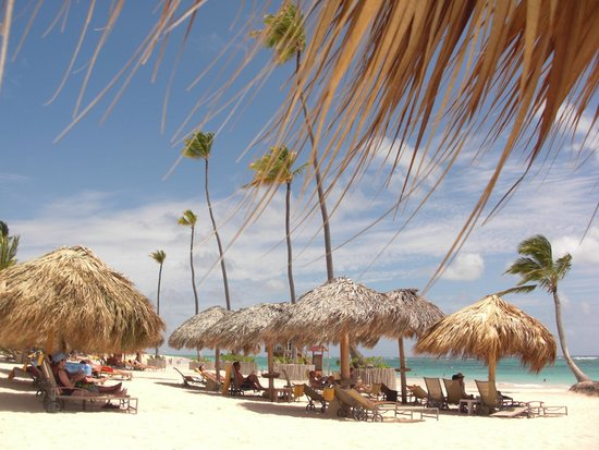 Iberostar Grand Hotel Bavaro: The beach and palapas
