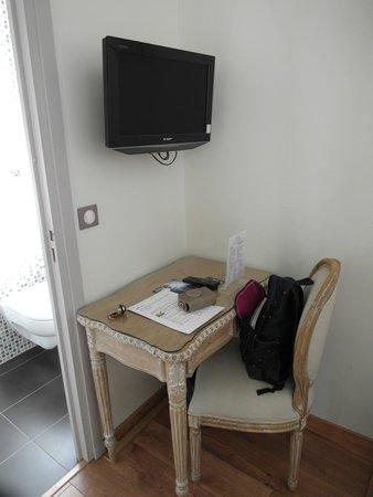 Hotel du Printemps: room