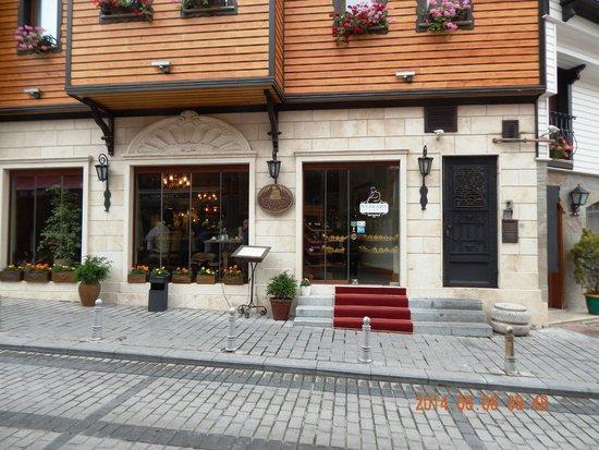 Neyzade Restaurant: Restaurant building