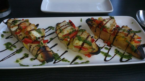 Prego Liverpool: Goats cheese and pepper brushetta