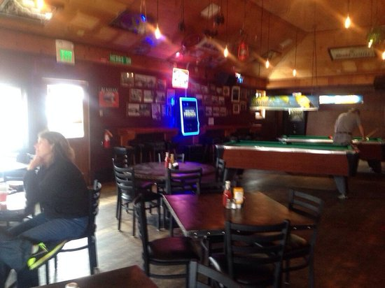 Herb's Tavern : Oldest Bar in Friday Harbor