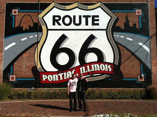 IL Route 66 Association Hall of Fame & Museum: Baksidan på Museumet