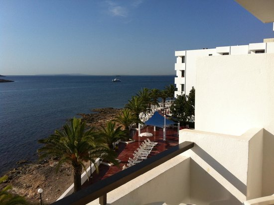 Aparthotel Playasol Jabeque Soul: View from our balcony room 304 !!!