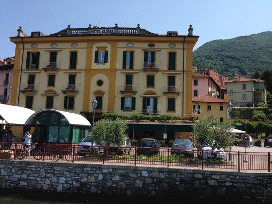 View from villa toretta 39 s courtyard picture of villa for Villa torretta