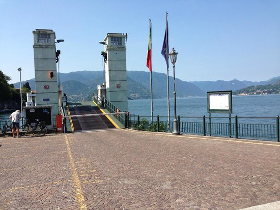Villa Torretta: Ferry Dock - take from here in Varenna to Bellagio and other lakeside villages