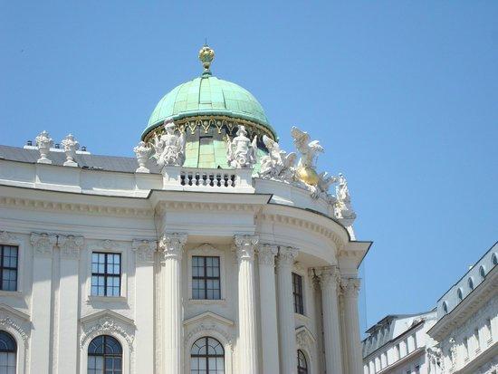 Hofburg: Detalhe da Cúpula, Porta de S. Miguel(1890-1893)