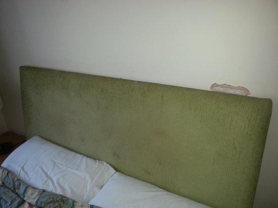 Plough Motel: Broken head board