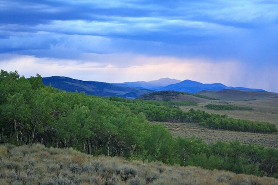 Wild Horse Safaris: Spectacular scenery from the near by Monitor mountains