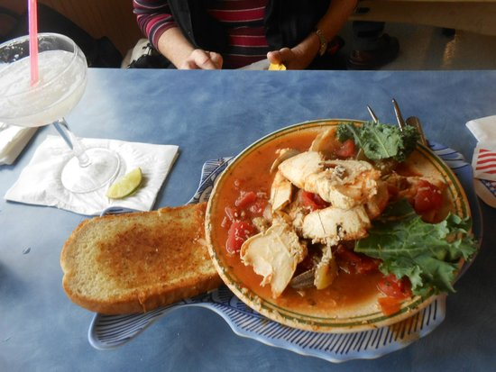 Mo's Seafood: Bouillabaise was good.