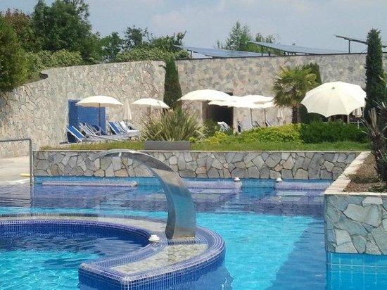 Hotel Sollievo Terme: Idromassaggi e getto cervicale esterni