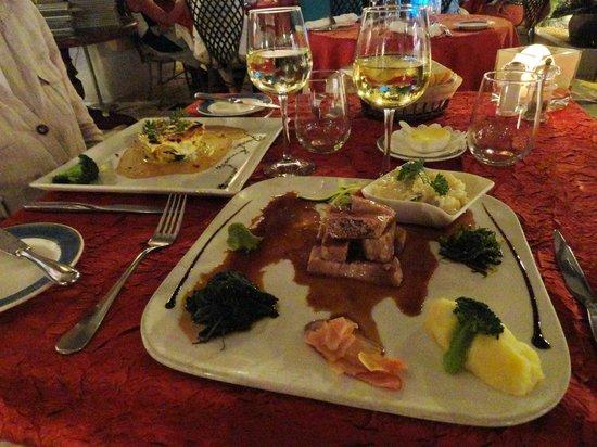 La Villa Restaurant : Duo de thon et lasagnes à la coquille St Jacques