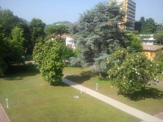 Hotel Sollievo Terme : Giardino entrata hotel