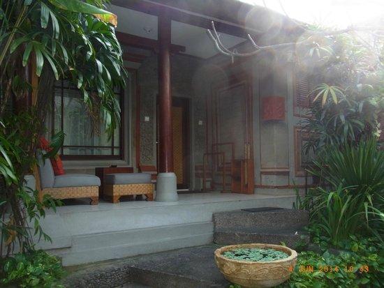 Kuta Seaview Boutique Resort & Spa : Entrance to my garden room