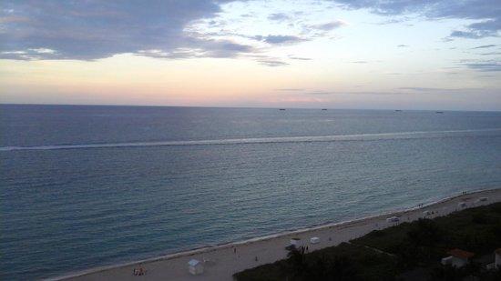 Grand Beach Hotel: vista al mar