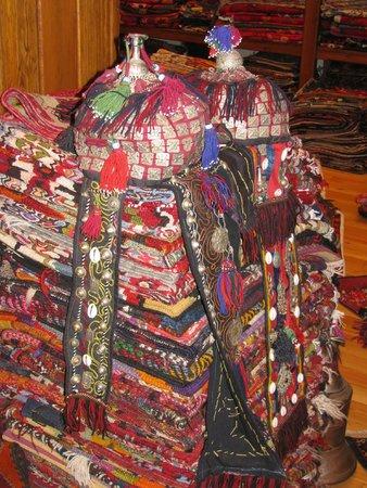 Sultan Carpet and Kilim: Nomadic hats