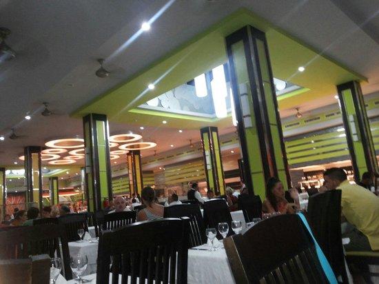 Hotel Riu Yucatan: Restaurante