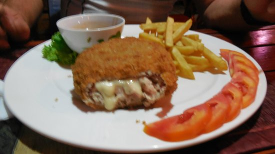 Swiss Garden Restaurant : ужин