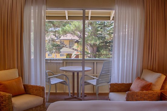 Carmel Lodge: King Room with balcony (call for availability)