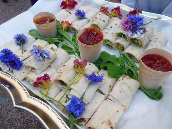Arts on Main: Snacks served before the reception