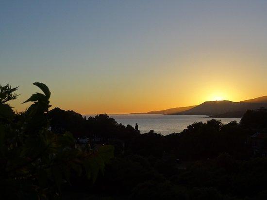Hôtel Restaurant Bartaccia : Coucher de soleil depuis la terrasse
