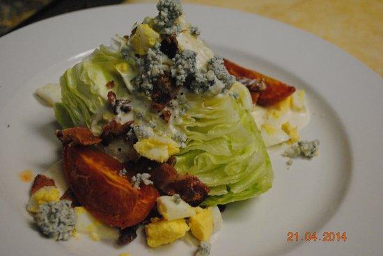 Chowder House Cafe: wedge salad