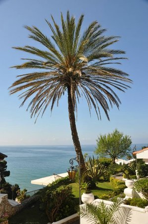 Grand Hotel Le Rocce: View on the see