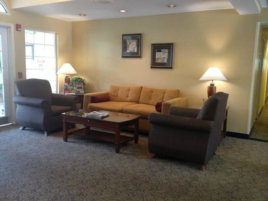 MainStay Suites Greenville Airport: Lobby