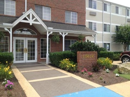 MainStay Suites Greenville Airport: Entrance
