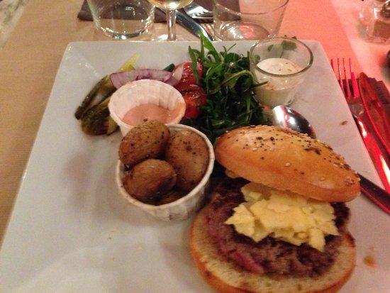 Le Petit Gaveau: Burger