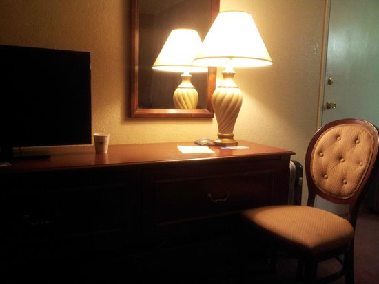 Travelodge Las Vegas Center Strip: Apartamento simples, porém confortável.