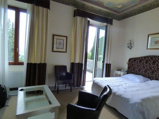 FH Villa Fiesole Hotel: Room with terrace door open