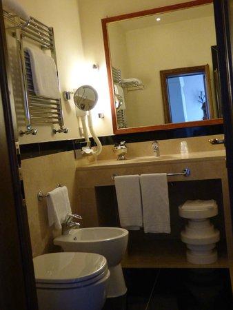 FH Villa Fiesole Hotel: Bathroom