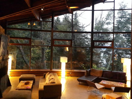 Design Suites Bariloche: Sala de estar