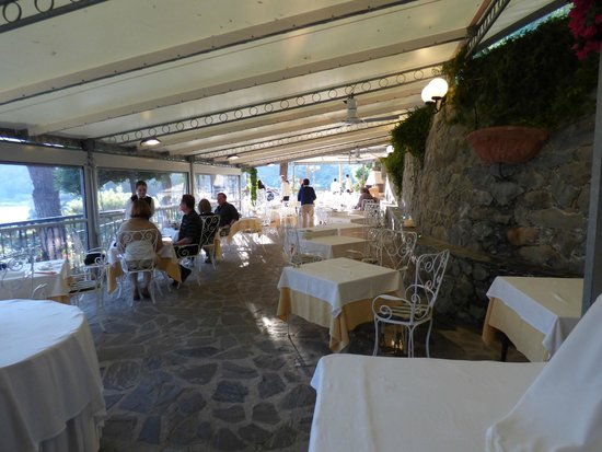 Hotel Porto Roca : Outdoor dining from