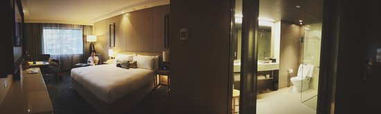 PARKROYAL Darling Harbour Sydney: Room 809 :)