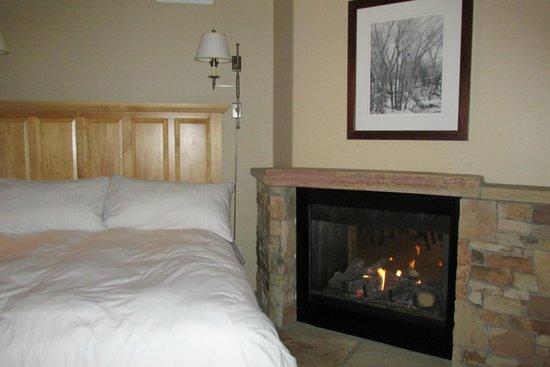 The Inn at Lost Creek: bedroom