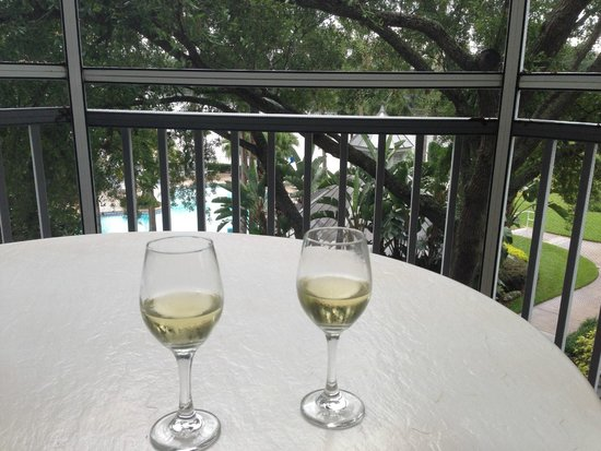 Marriott's Cypress Harbour Villas: A great place for an afternoon rain storm