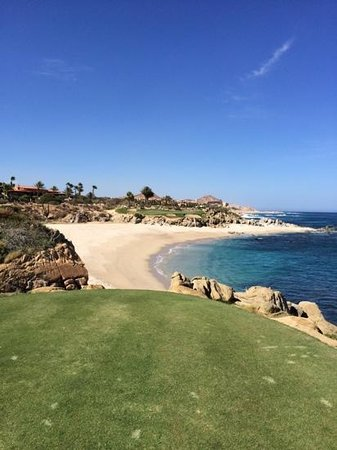 Cabo del Sol Golf Club : View from Black Tee on #17. 175 yards w/ swirling wind.  Easy 7i w/ baby draw to 8ft for a bird.