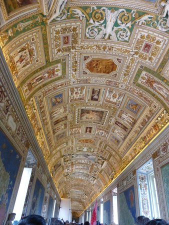 Tours of the Vatican with Tom & his Team : At the Vatican