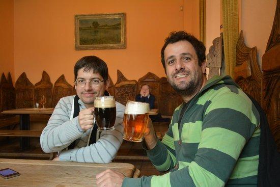 U Betlemske kaple: Muy buena cerveza negra...