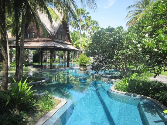 Twinpalms Phuket : Beautiful grounds