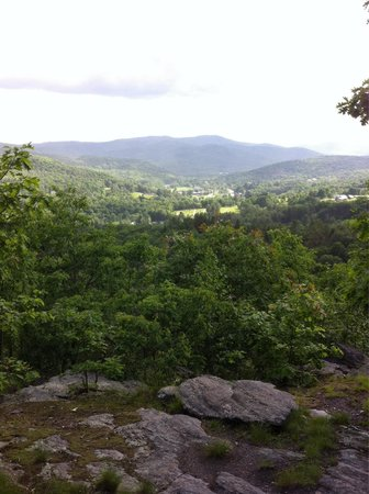 Mount Tom: View of mountains from atop Mt Tom