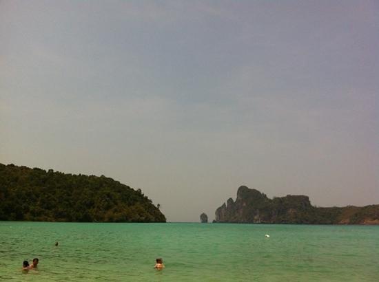 Phi Phi Island Cabana Hotel : vista do hotel