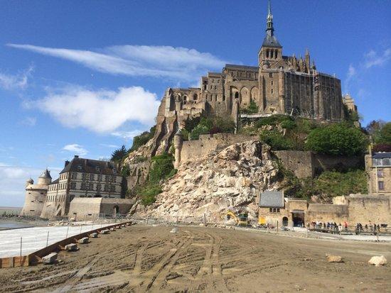 Abbaye du Mont-Saint-Michel : Front view