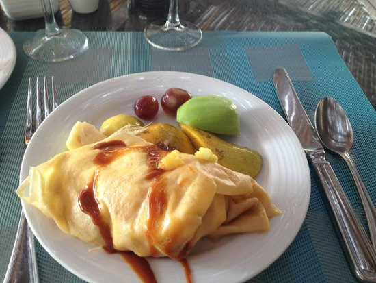 Secrets Maroma Beach Riviera Cancun: Made to order fruit crepe. Delicious!