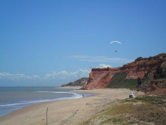 Marataizes: Praia das Falésias