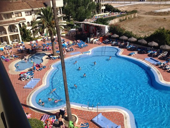 Hotel Puente Real: Large pool