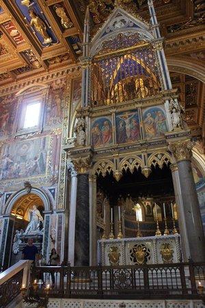 Arcibasilica di San Giovanni in Laterano: Amazing