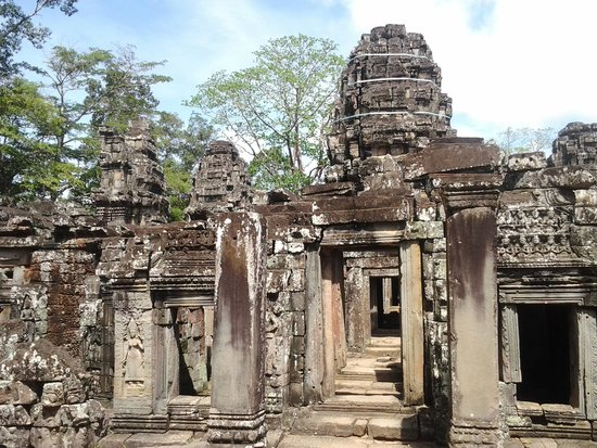 Hotel Somadevi Angkor Resort & Spa: Inside Angkor Temple